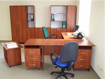 офис с мебелью фото